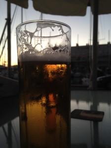 Na autorit naar Zuid Spanje aankomstbiertje bij Stumble Inn